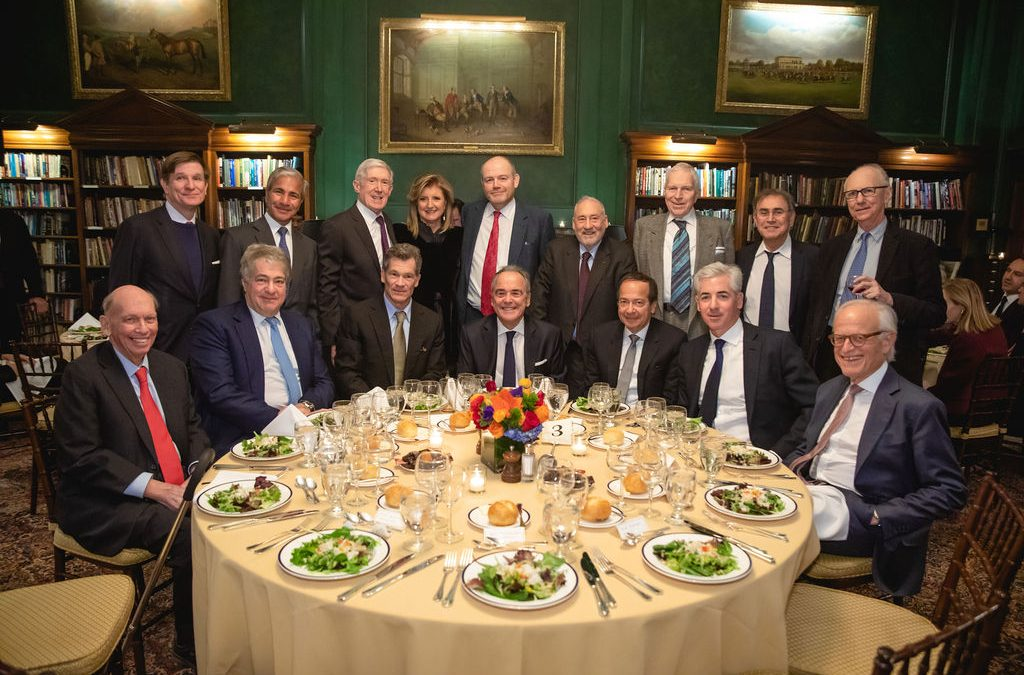 Wall Street luminaries debate economy, politics in power dinner